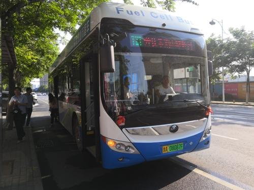 续驶超500公里 宇通12米燃料电池公交车