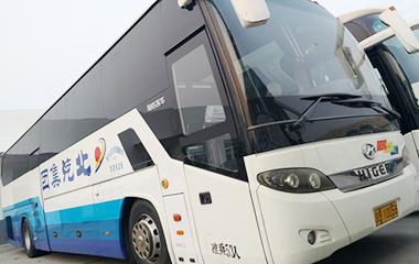 苏州金龙海格客车连续十年服务全国两会