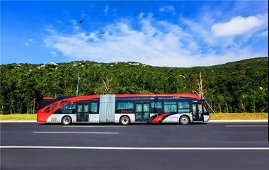 "<strong>国内""5G公交""第一车! 银隆18米海豚公</strong>"